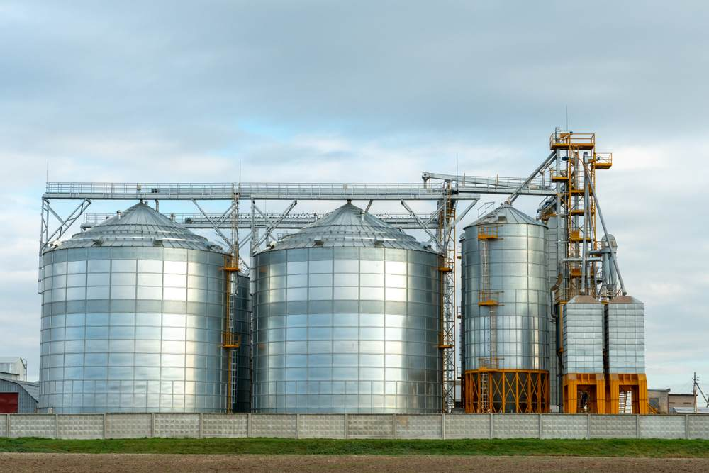 Respecter ses délais de livraison grâce aux silos connectés-1